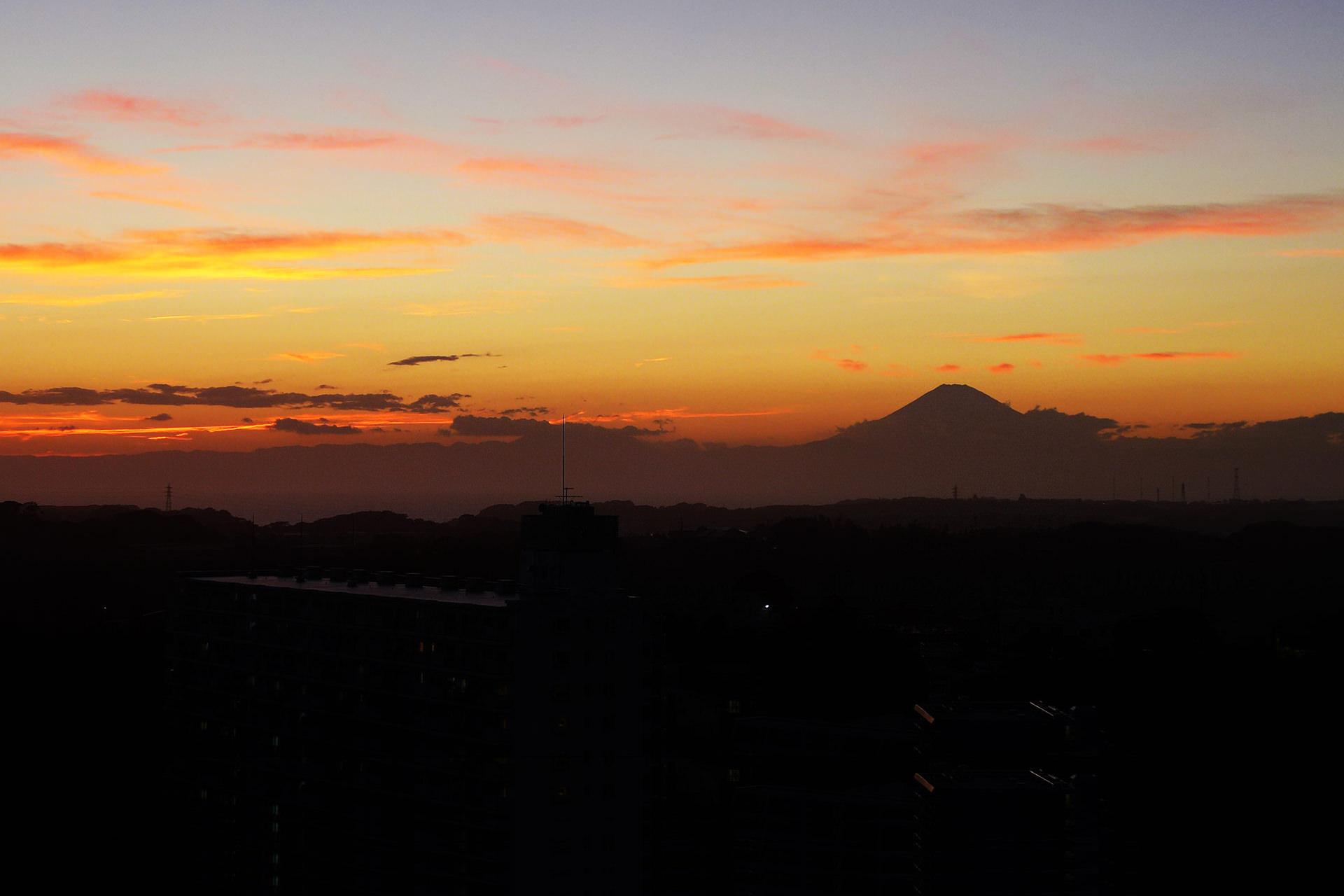 マホロバから富士山夕景を望む