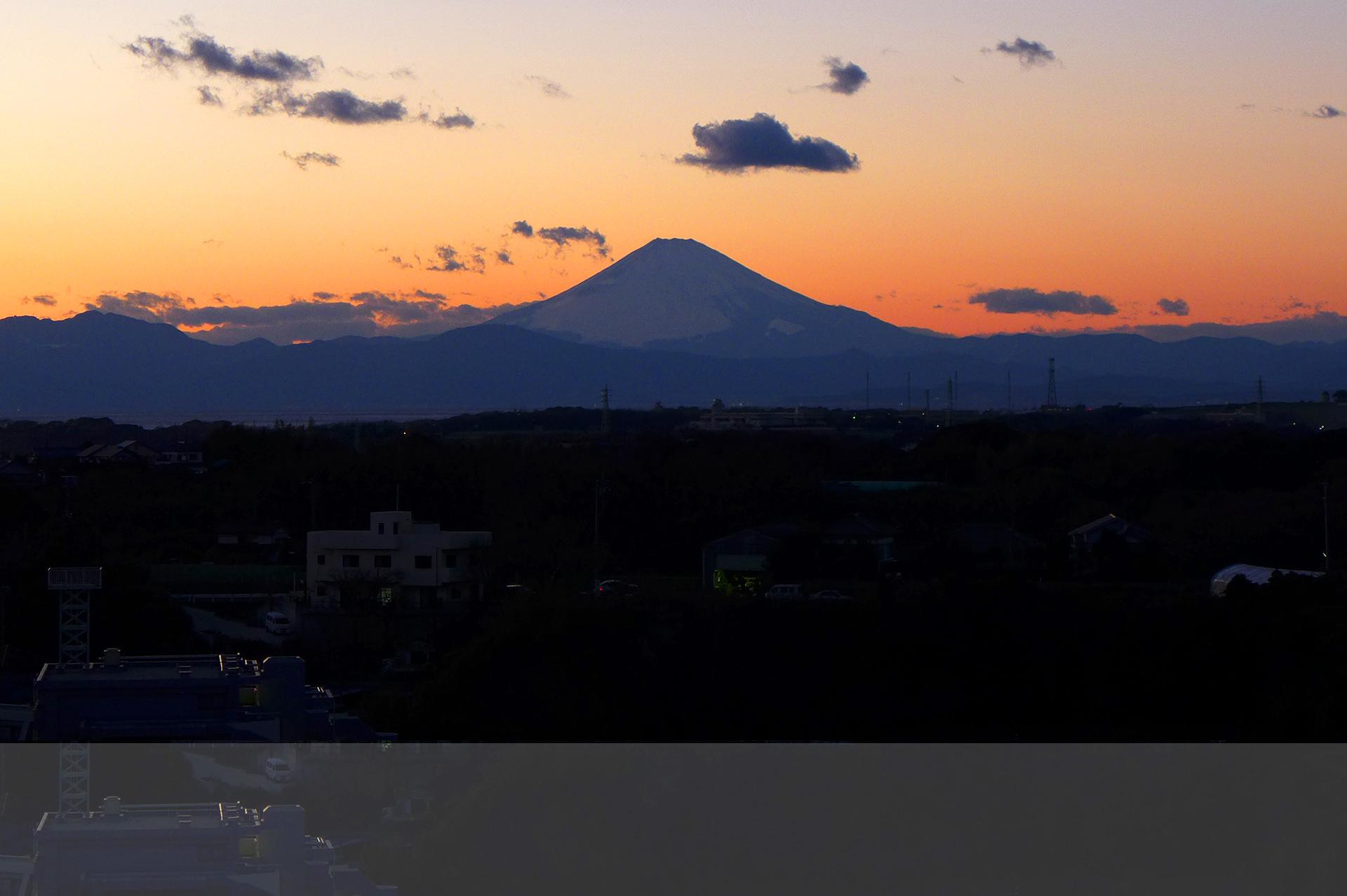 マホロバから見える夕焼けの富士